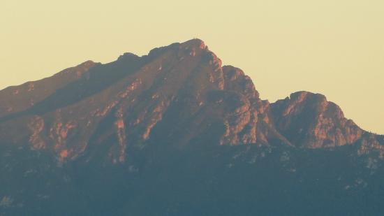 Shining Waters : ..sunrise on the mountains behind the hotel..