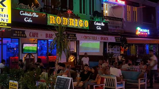 Rodrigo Cafe & Bar