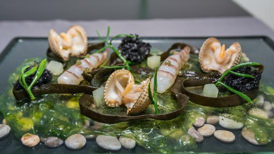Restaurante Raúl Resino: Langostinos en salazón, con berberechos al natural y espagueti de mar