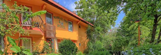 Mandal-Inn Hotel: Mandalinn Hotel Entrance