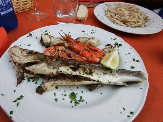 Osteria San Cerbone: spigola sublime