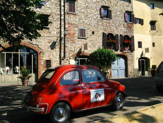 La Bottega Di Giovannino: Fiat belonging to Father at the back of the Bottega