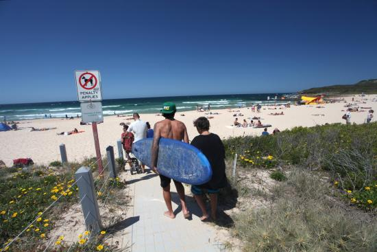 Quest Mascot Serviced Apartments: Maroubra Beach