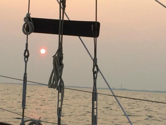 Schooner Bay Lady II: Sunset on Bay Lady II