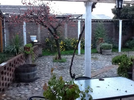 Petit Verdot: Quaint courtyard