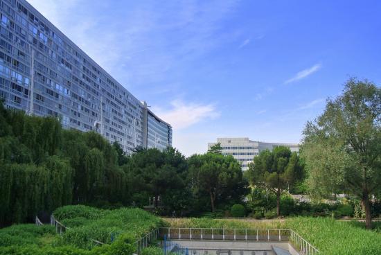 Rock pavilion picture of jardin atlantique paris paris for Jardin atlantique