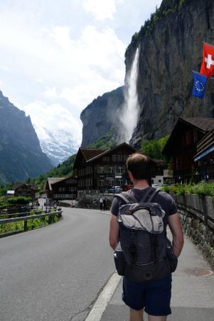 SwissHut B&B: Hiking at Lauterbrunnen
