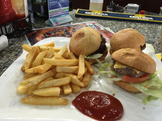 The Blue Iguana Grill: Buffalo sliders and hamburger sliders. Tasty!