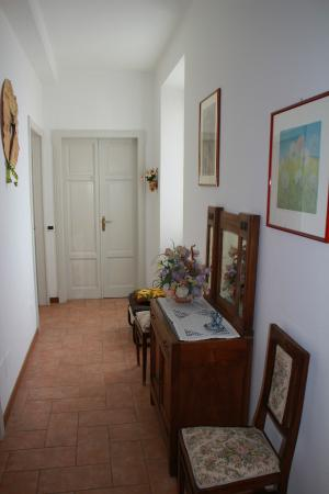 Hotel Brisino: Intérieur vers chambres