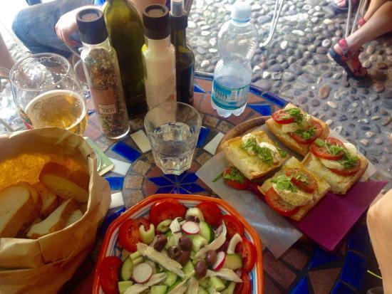 Osteria Santo Cielo: Sardine salad and tomato and mozzarella bruschetta
