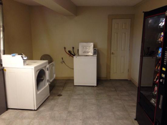 Comfort Inn & Suites Austintown : photo0.jpg