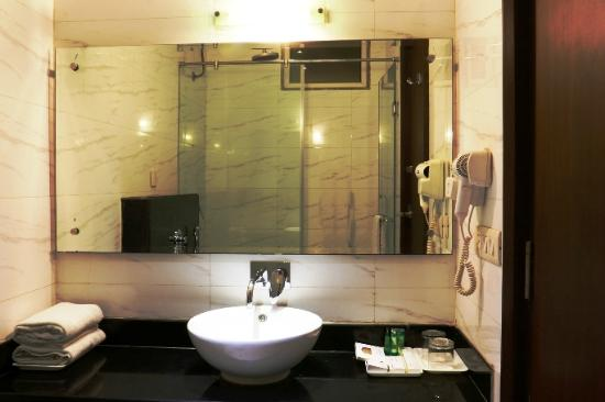 Hotel Regent Intercontinental: Bathroom