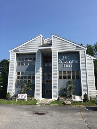 Niantic Inn: The Inn