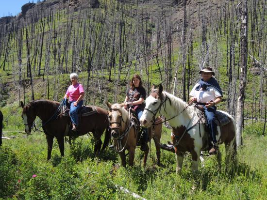 Elephant Head Lodge: Horseback ride through the mountains