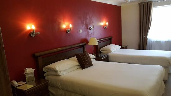 Canterbury Hotel : Nice room but narrow double bed.