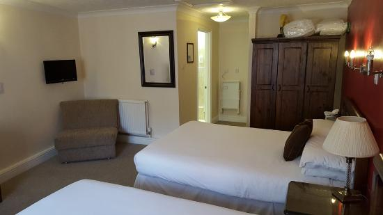 Canterbury Hotel : Nice room size