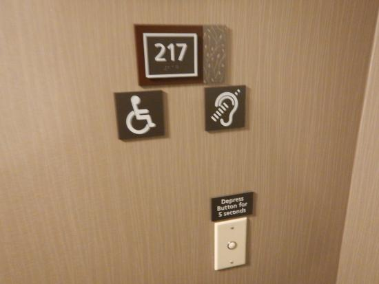Residence Inn Eugene Springfield: Handicapped accessible room