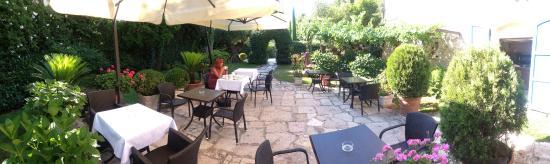 Hotel Il Villino: Romantic breakfast place...