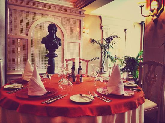 Garibaldi Restaurant: Lonely