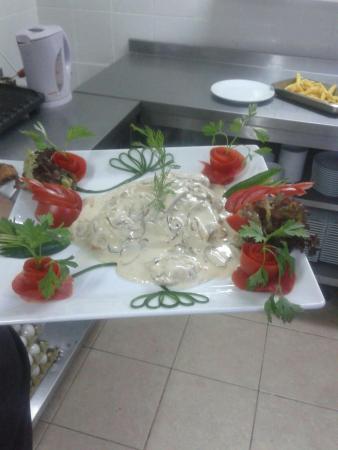 mustis restaurant