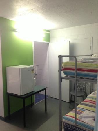 Cairns Central YHA Backpackers Hostel: A family room