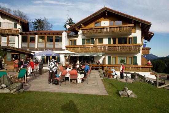 Landhotel Alphorn: Christmas Eve, sadly no snow.