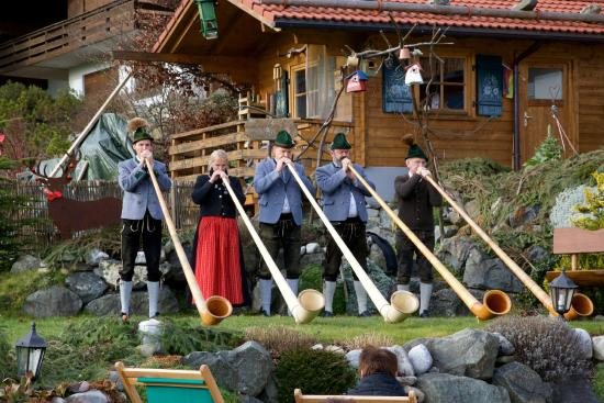 Landhotel Alphorn: The traditional Alphorn in play