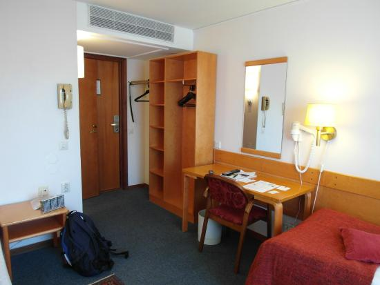 BEST WESTERN Strand Hotel: Skrivbord m.m.