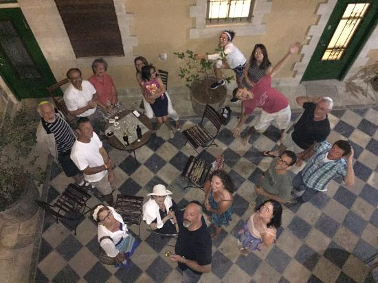 The Market Courtyard - Jerusalem Suites: Celebrating in the courtyard