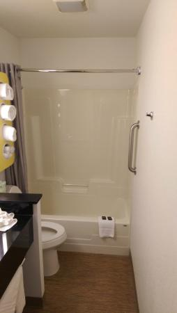 Motel 6 Lake George: very small bath.  Does have handicap rail