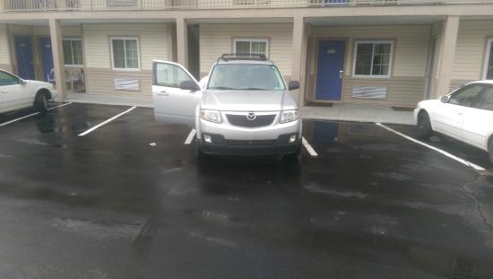 Motel 6 Lake George: My Tribute (Ford Escape) nearly fills a parking space.