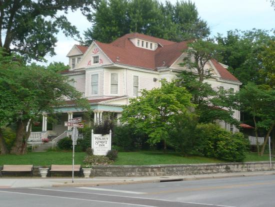 Walnut Street Inn: Hotel exterior