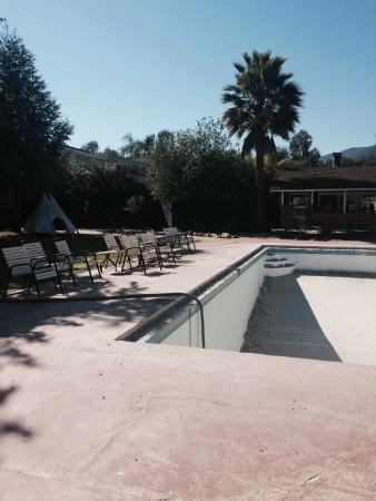 Ojai Rancho Inn: Pool closed :(