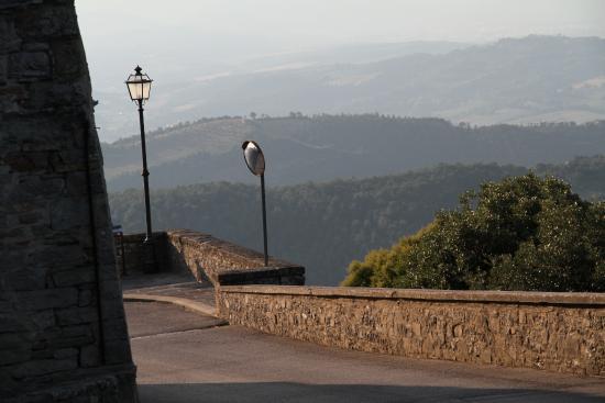Monte Santa Maria Tiberina, Ιταλία: The walk to Oscari
