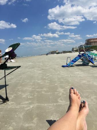 Oceania Beach Club : beach is hard sand