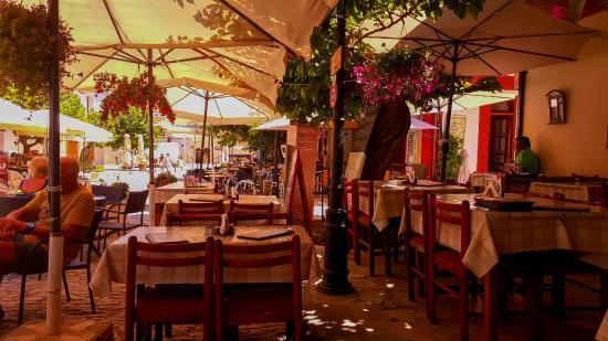 Themelio Tavern