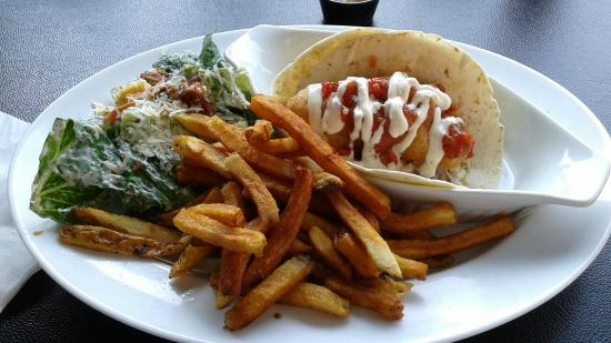 Charlotte Anne's: Fish tacos