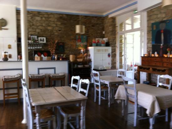 Hotel des Deux Mers : La salle des petits dejeuners