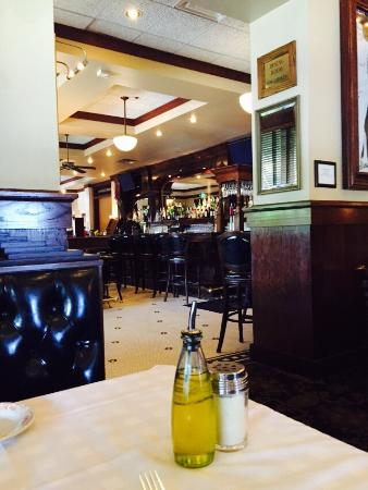 Maggiano's Little Italy: Yummy lunch at Maggiano's. Sorry Weight Watchers.😮