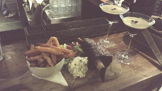 Gibson's Bar: The best beef rib and espresso martini in town!
