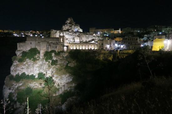 Exterieur nuit picture of chiesa dei santi pietro e for Exterieur nuit