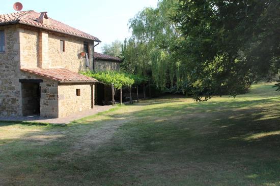 Agriturismo Antico Casale Pozzuolo: Pergolato camere