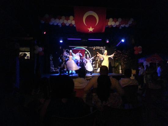 Luana Hotels Santa Maria : türk gecesi showları
