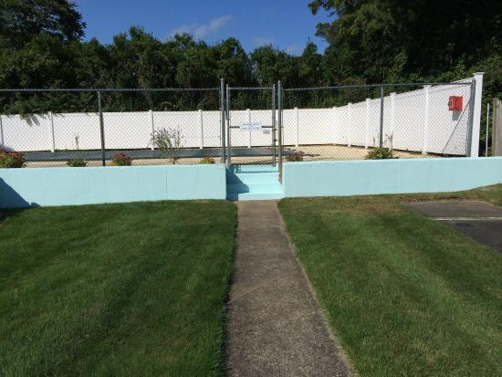Chatham Highlander: One of 2 Pools