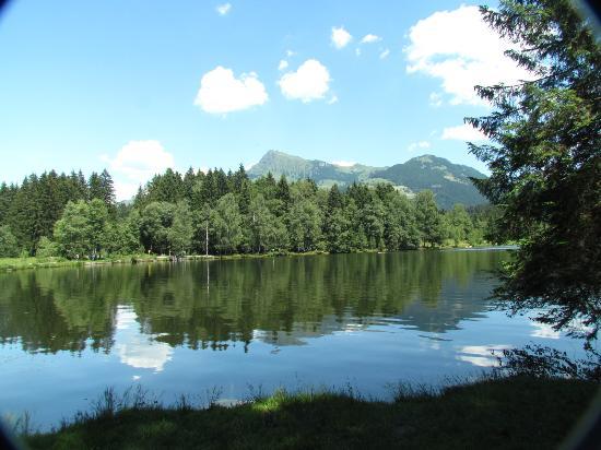 Alpenhotel Kitzbühel: View of the Lake.