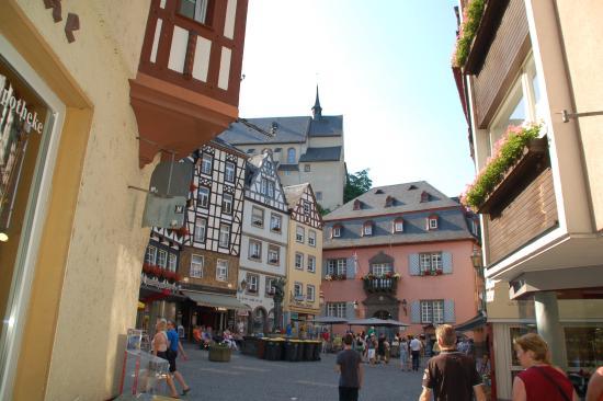 Hotel am Markt: Het pleintje voor het hotel