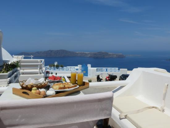 Merovigliosso Apartments: Breakfast on the balcony