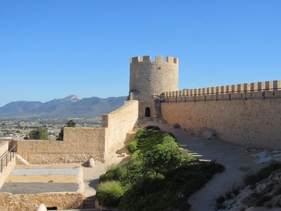 Castalla, إسبانيا: Одна из башен замка