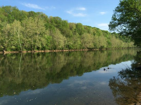 South Connellsville, Pensilvanya: Cool view of the river