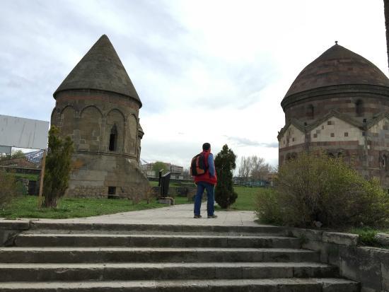 Three Tombs : Üç Kümbetler 1
